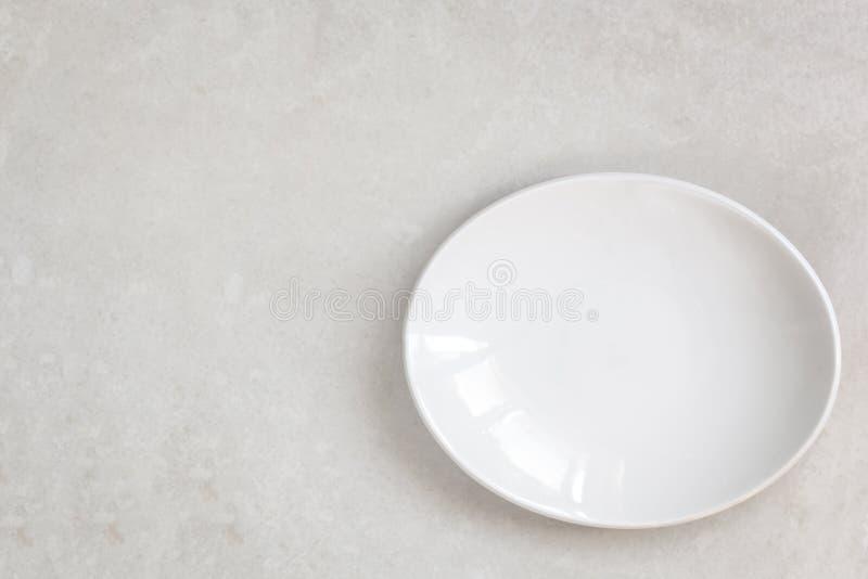Opróżnia Białego owalu talerza Odgórnego widok fotografia stock