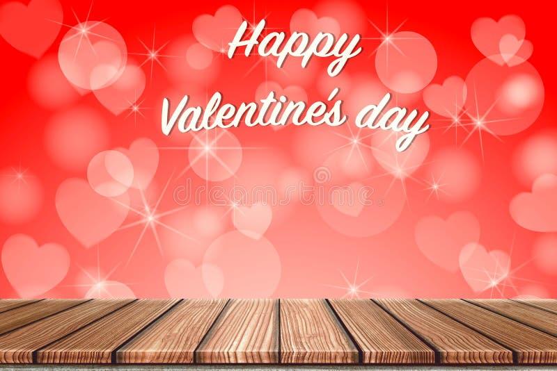 Opróżnia Drewnianej deski wierzchołka stół przed zamazanym czerwonym kierowym tłem Perspektywiczny drewno w zamazanej bokeh serca fotografia royalty free