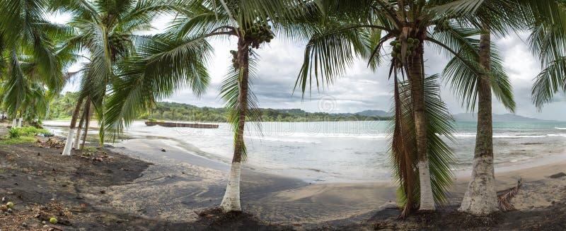 Opróżnia plażę w Puerto Viejo, Costa Rica fotografia stock