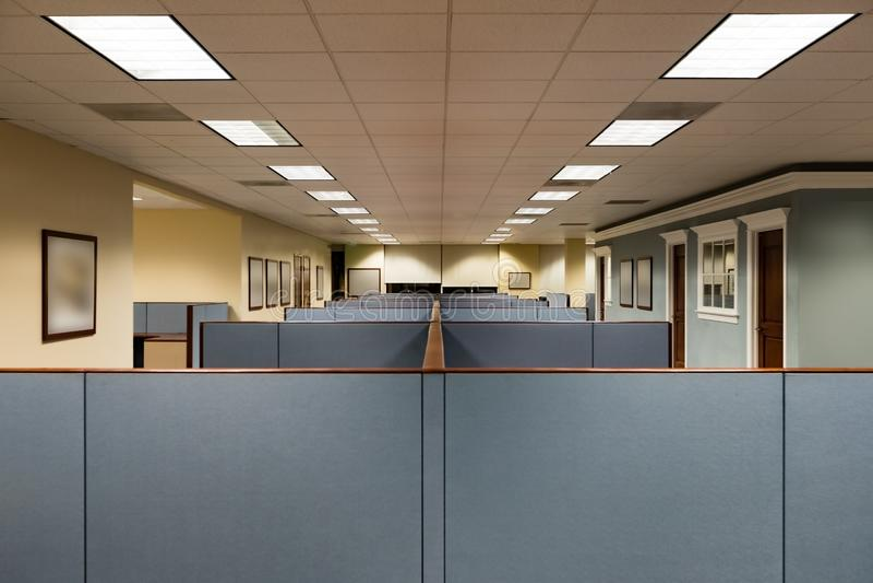 Opróżnia powierzchnię biurowa Przygotowywającą Zajmować obraz stock