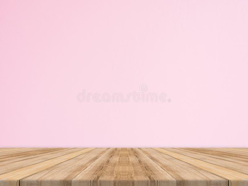 Opróżnia tropikalnego drewnianego stołowego wierzchołek z różową betonową ścianą, egzamin próbny w górę półdupków obraz stock