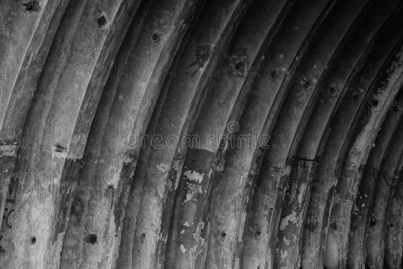 Opróżniam porzucał hangar tekstury czarny i biały tło obrazy stock