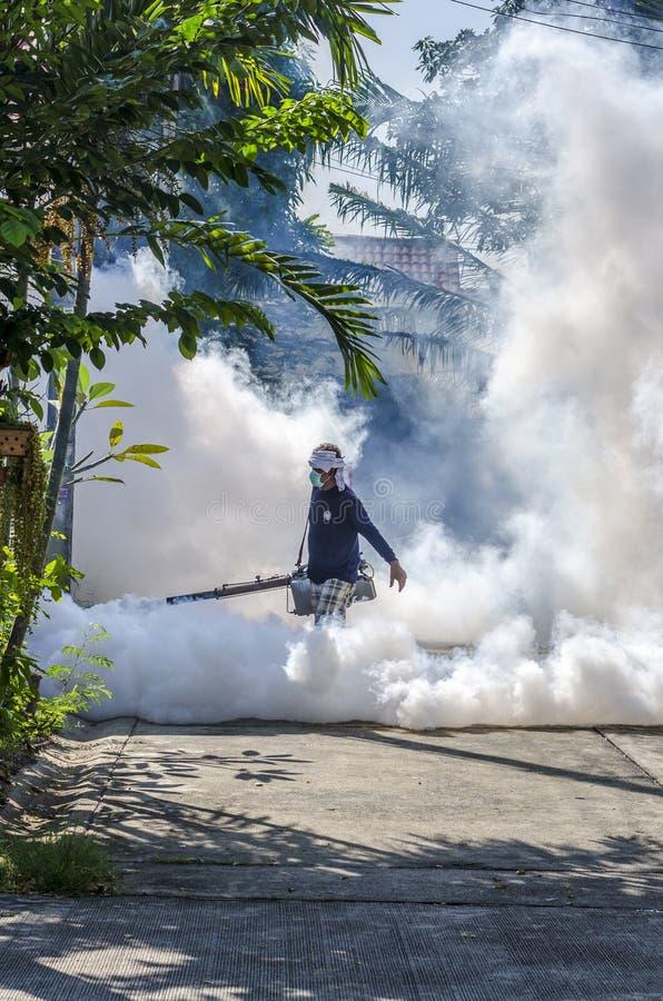 Opryskiwanie komara repellent zdjęcia stock