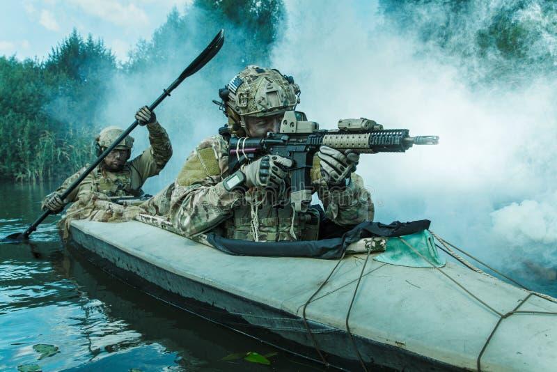 Ops das especs. no caiaque militar imagem de stock royalty free
