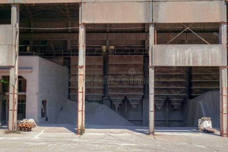 Opslagfaciliteit van een zandfabriek royalty-vrije stock afbeeldingen