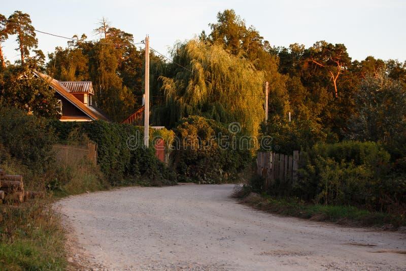 Optina Landwirtschaftliche Straße am Sonnenuntergang stockfotos