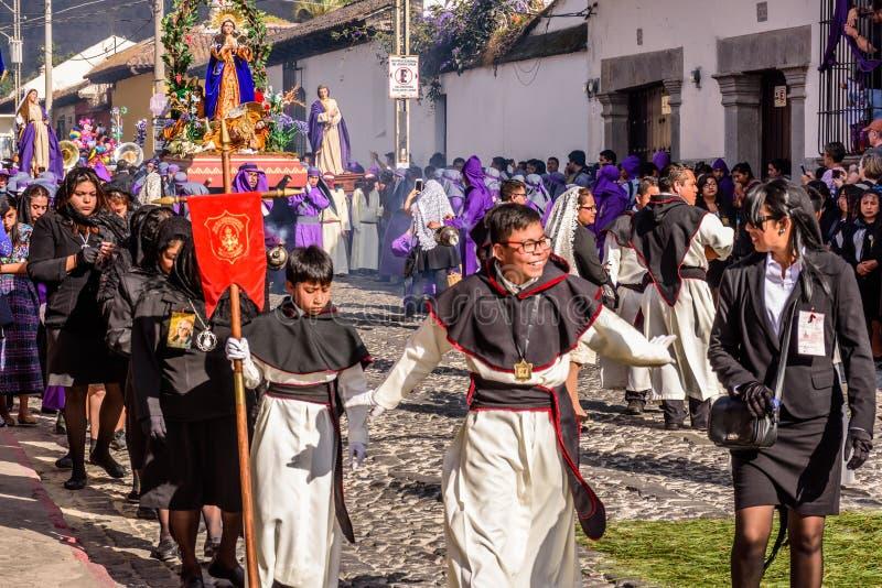 Optochtbenaderingen op eerste Zondag van Geleend, Antigua, Guatemal stock afbeelding