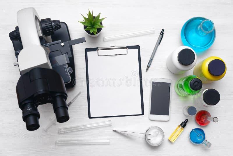 optometriker för läkarundersökning för bakgrundsdiagramöga apotek pharmacology fotografering för bildbyråer