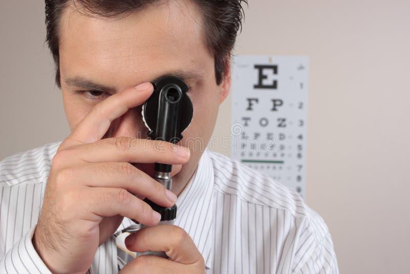 Optometrist ou cirurgião ophthalmic fotos de stock