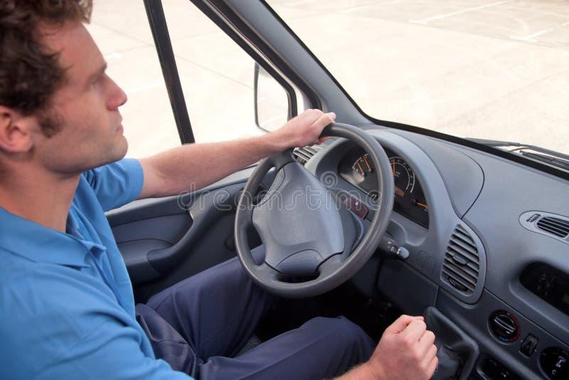 opuszczać Samochód dostawczy kierowca prowadnikowa ręka Pojazd zdjęcia stock