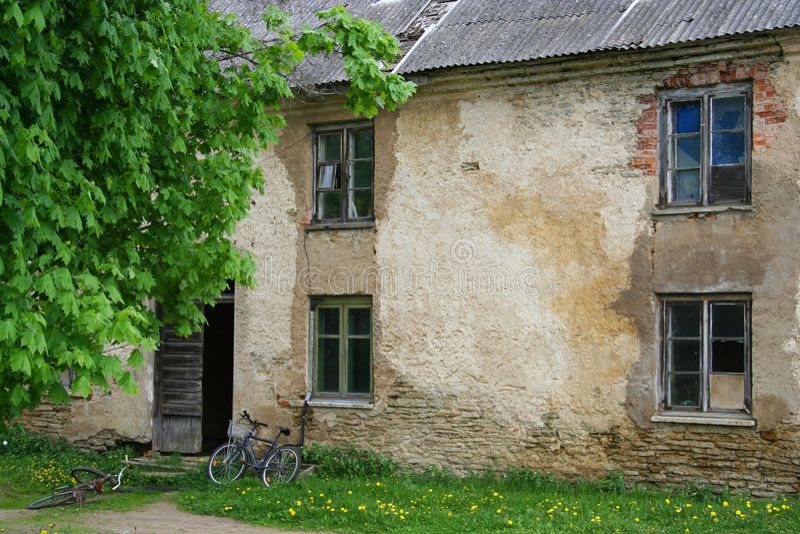 Download Opuszczony dom zdjęcie stock. Obraz złożonej z farm, bezrobocie - 140064
