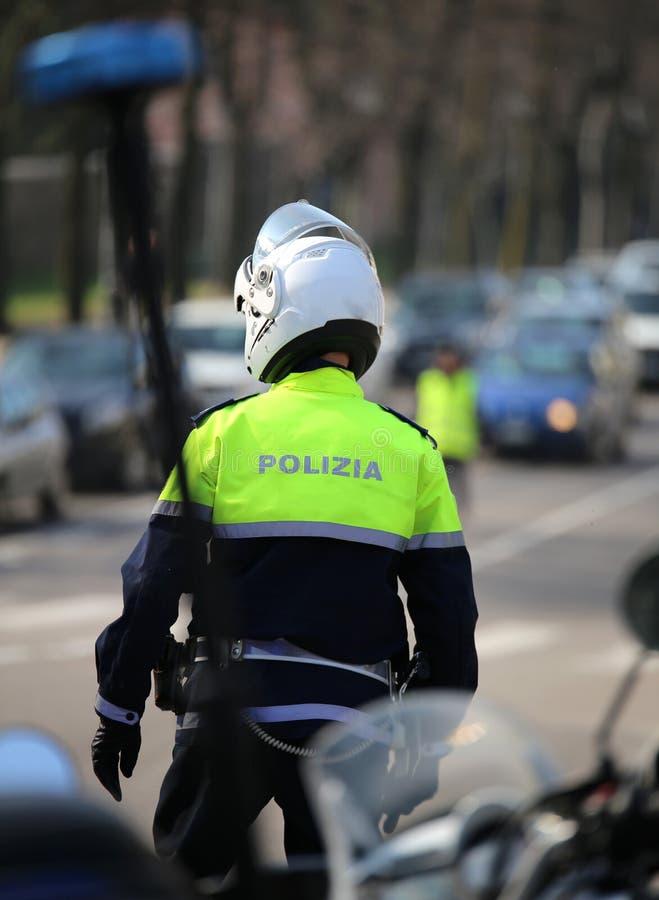 opvlammende sirene van politiemotorfiets en een Italiaans offic verkeer royalty-vrije stock afbeelding