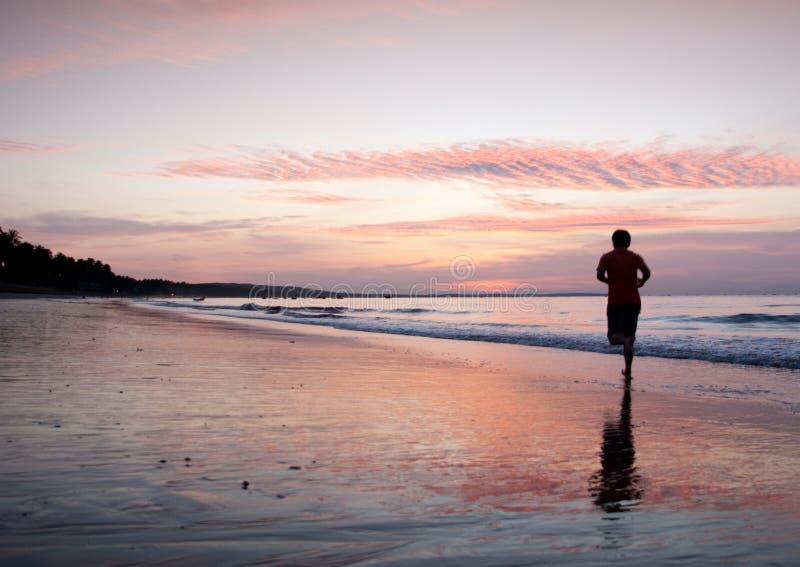 Opwindende strandsporten royalty-vrije stock afbeeldingen
