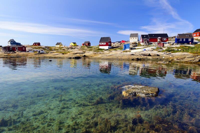 Oqaatsut bosättning (Rodebay) i Grönland fotografering för bildbyråer