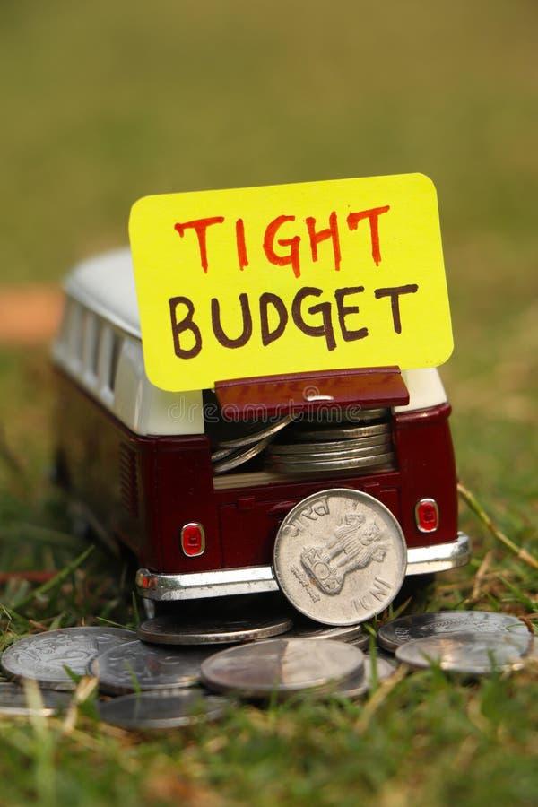 Orçamento apertado para o conceito do curso fotografia de stock royalty free
