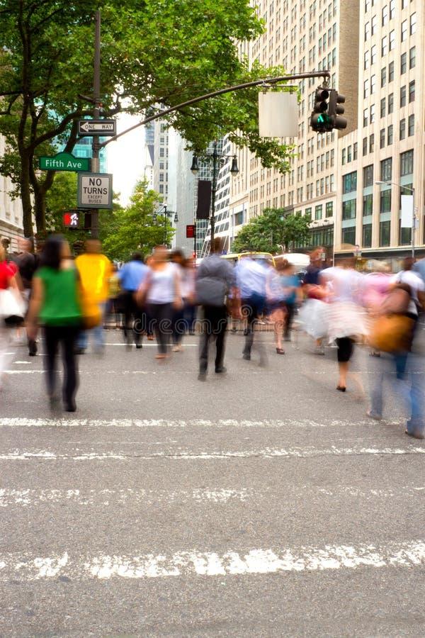 Ora di punta alla Quinta Avenue, NY fotografia stock libera da diritti