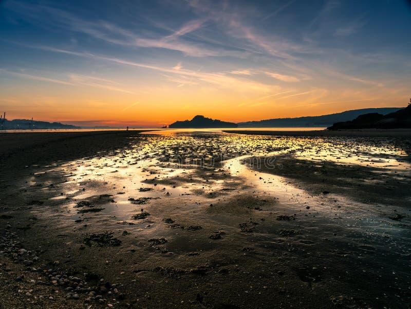 Ora dorata a Ria de Pontevedra, la Spagna fotografia stock libera da diritti