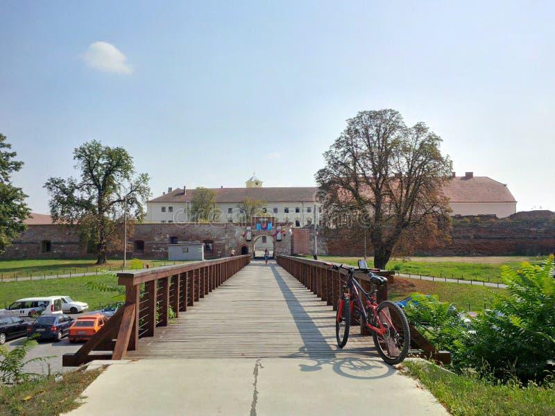 Oradea fästning från Rumänien royaltyfri bild