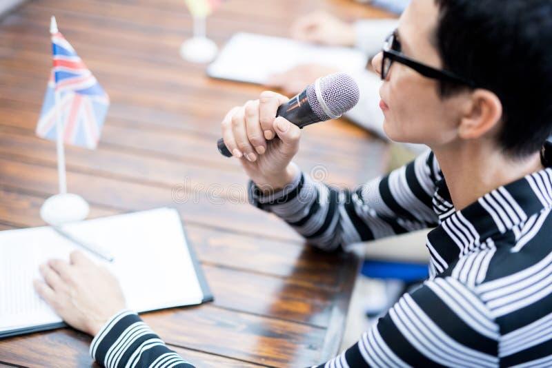 Orador na conferência de negócio fotografia de stock
