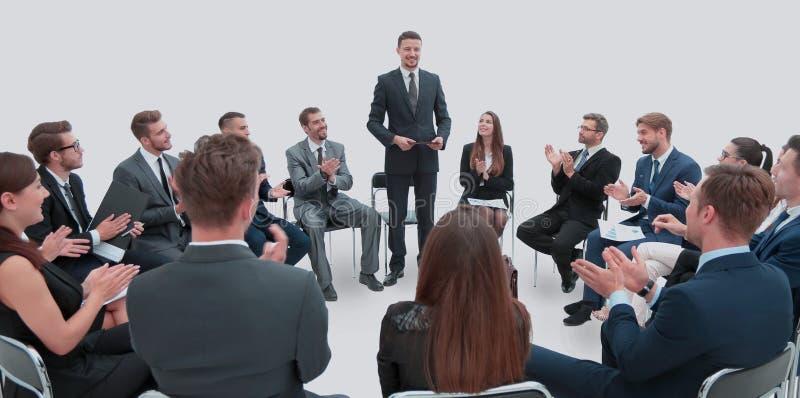Orador que dá uma conversa na conferência de empresa Negócios fotos de stock royalty free