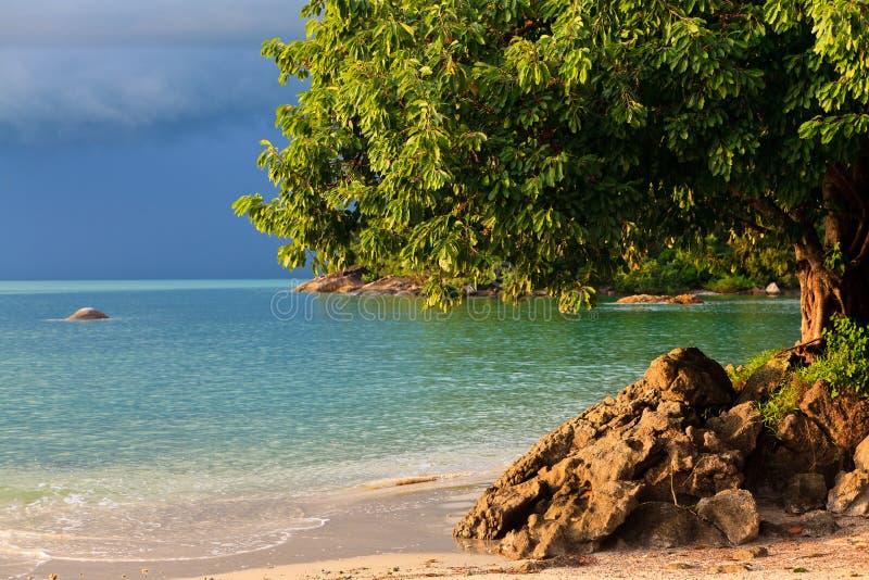 Orage approchant la plage photos stock