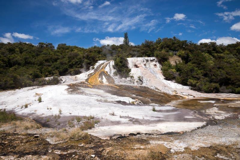 Orakei Korako geotermiczny park w Nowa Zelandia obraz royalty free