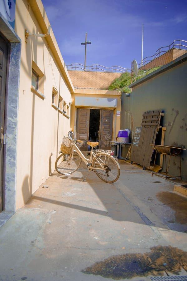 Orange bycicle stockfoto