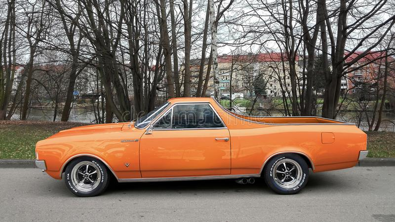 Orange Chevrolet El Camino immagine stock libera da diritti