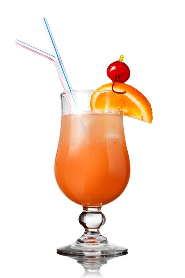 Orange Cocktail getrennt auf Weiß stockfotos