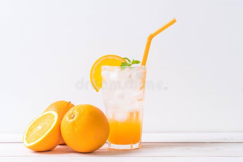 orange fruktsaft med sodavatten royaltyfri fotografi