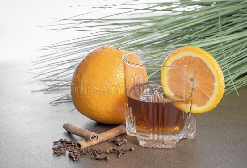 Orange gewürzter Whisky lizenzfreies stockfoto