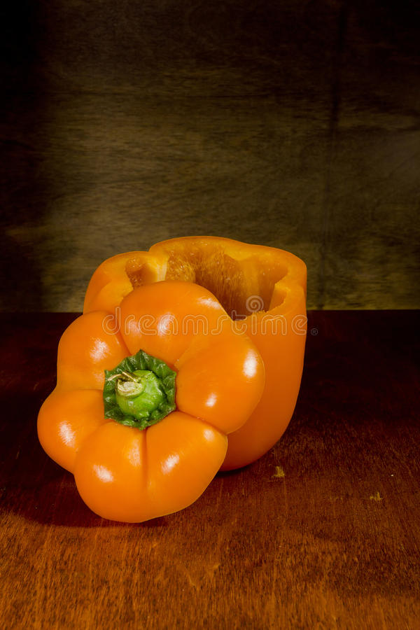 Orange Grüner Pfeffer lizenzfreie stockfotos