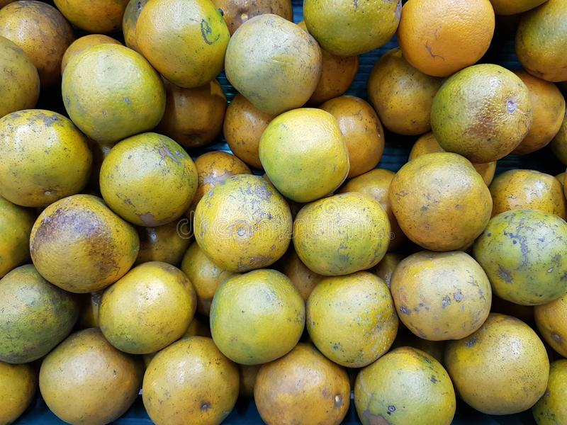 Orange ist eine Frucht, die wertvoll und für Gesundheit gut ist Es hat hohes Vitamin C lizenzfreie stockfotografie