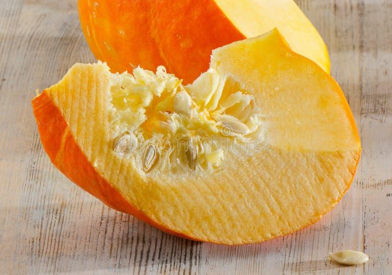 Download Orange Kürbis stockfoto. Bild von betrieb, vitamin, hölzern - 26359676