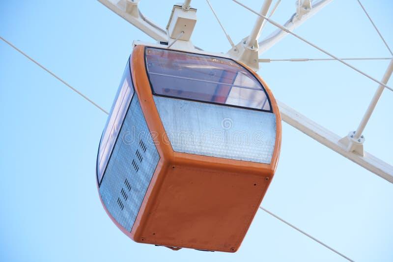 Orange kabin för ferrishjul royaltyfri fotografi