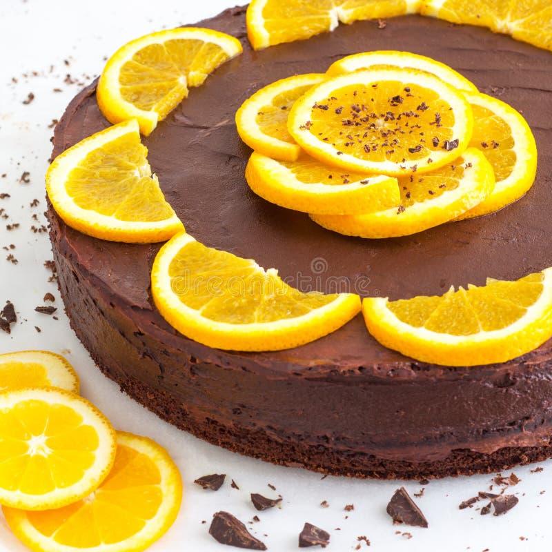 Orange kaka för mörk choklad arkivbilder