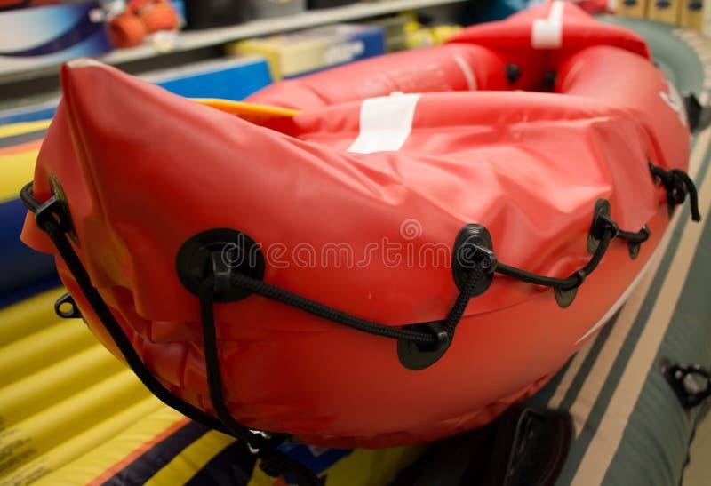 Orange Schlauchboot lizenzfreie stockbilder