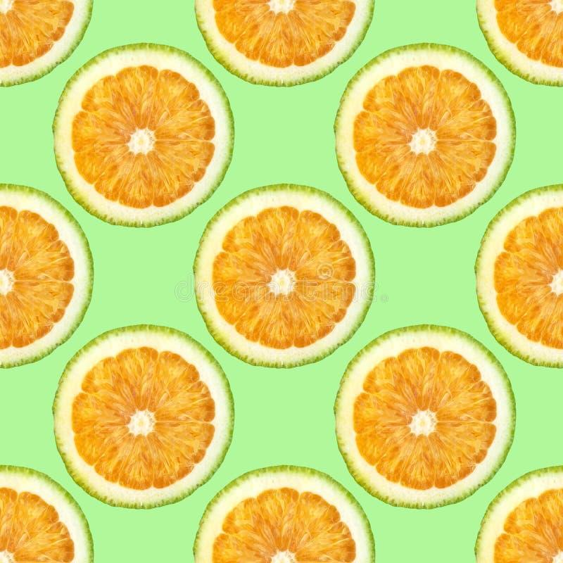 Orange schneidet nahtloses Muster auf süßem geschmackvollem der grünen Frische des Hintergrundsommers saftigen stockfotos