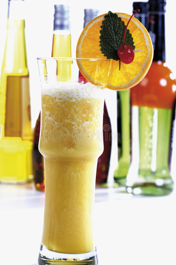 Orange sprudeln Cocktail lizenzfreie stockbilder