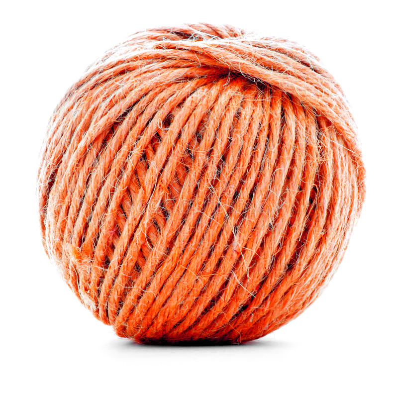 Orange traditionell clew som syr garnbollen som isoleras på vit bakgrund royaltyfria bilder