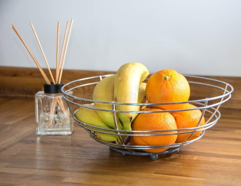 Orangen und Bananen stockfoto