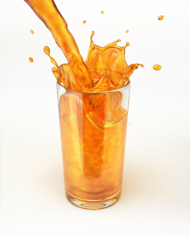 Orangensaft, der in ein Glas, ein Spritzen bildend gießt. stockfotografie