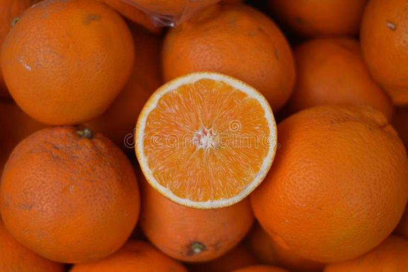 Oranges organiques juteuses et douces photos stock