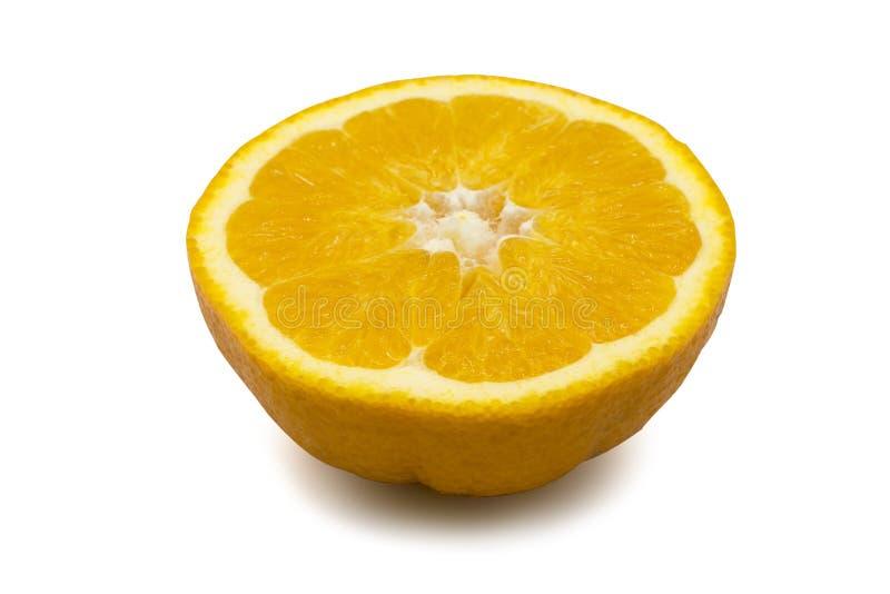 Oranje die fruit in de helft wordt gesneden royalty-vrije stock foto's