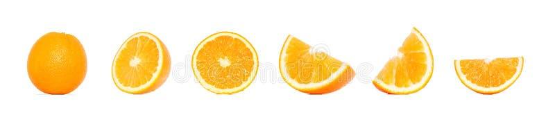 Oranje fruitinzameling in verschillende die variaties over witte achtergrond worden geïsoleerd Gehele en gesneden sinaasappel stock fotografie