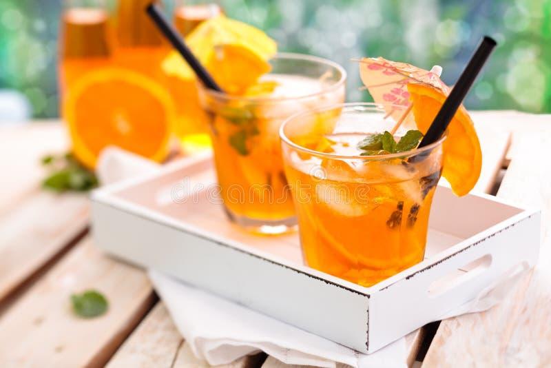 Oranje limonade stock afbeeldingen