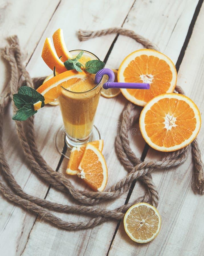 Oranje Melksjeik royalty-vrije stock foto's