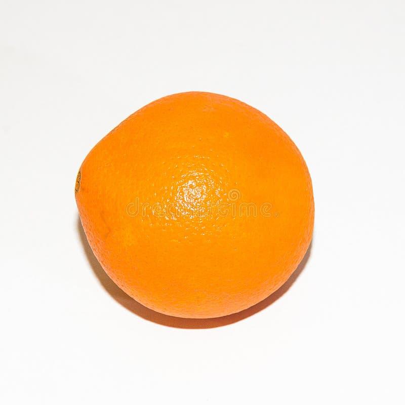 Oranje sinaasappel op de lijst stock foto's