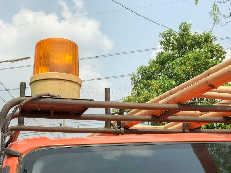 Oranje sirene van de noodsituatievrachtwagen royalty-vrije stock afbeelding
