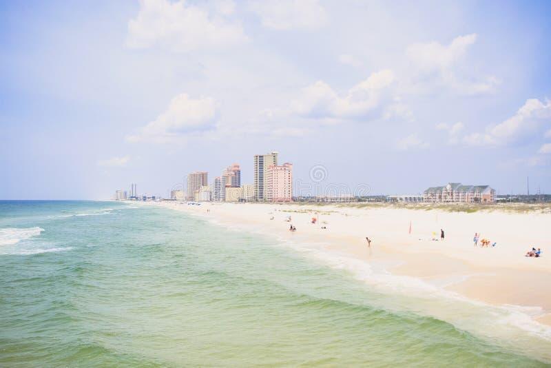 Oranje strandkust stock foto